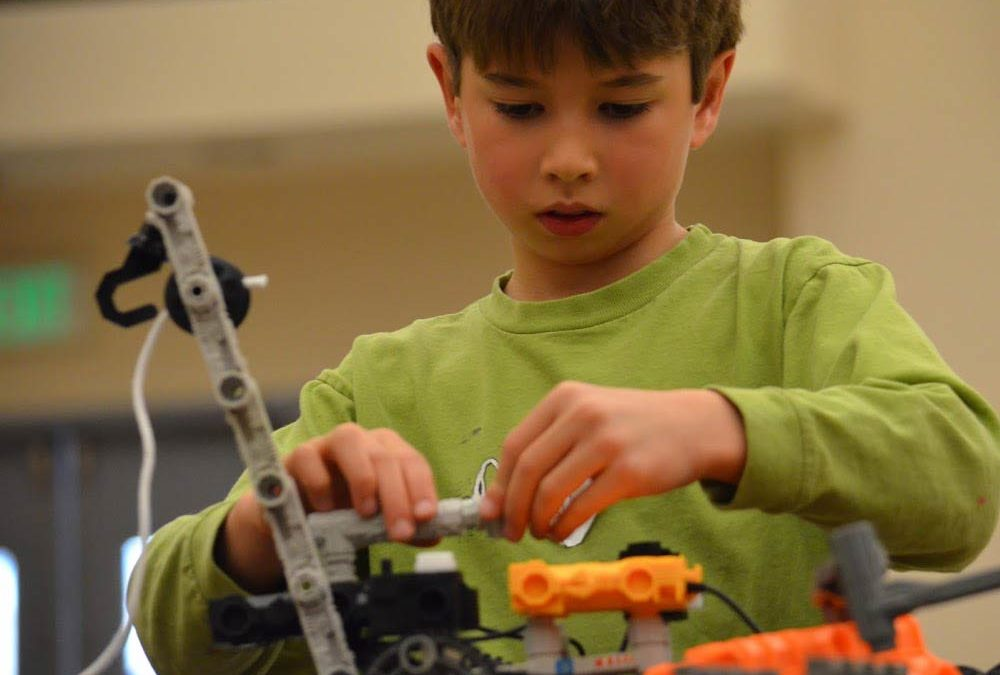Hands-On Robotics at MATES with Growing Outdoors! (Thousand Oaks)